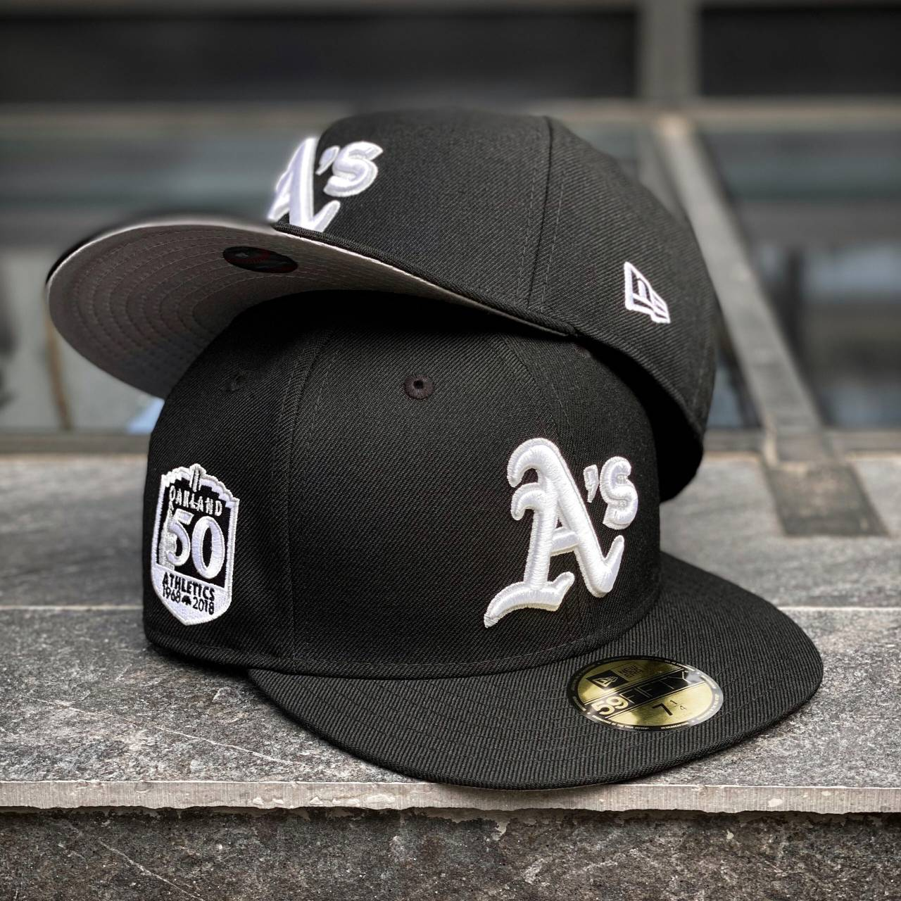 80456550 EXCLUSIVE 59FIFTY MLB OAKLAND ATHLETICS 50 YEARS BLACK FITTED CAP