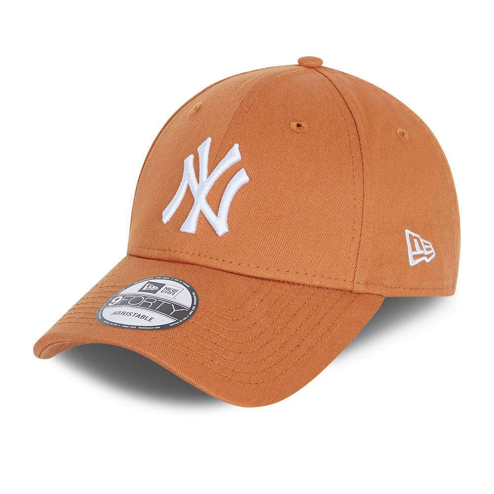 9FORTY LEAGUE ESSENTIAL NEW YORK YANKEES TOFFEE CAP