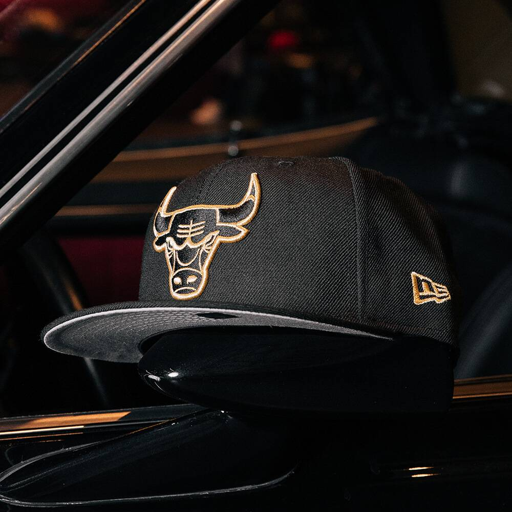 LIMITED 59FIFTY NBA CHICAGO BULLS BLACK GOLD/GREY UNDERBRIM