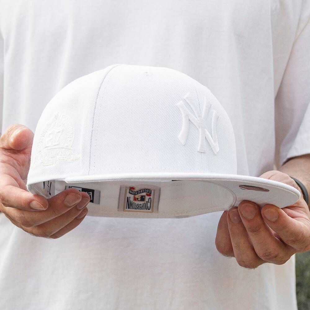 LIMITED 59FIFTY MLB NEW YORK YANKEES 27 TIMES CHAMPIONS WHITE ON WHITE