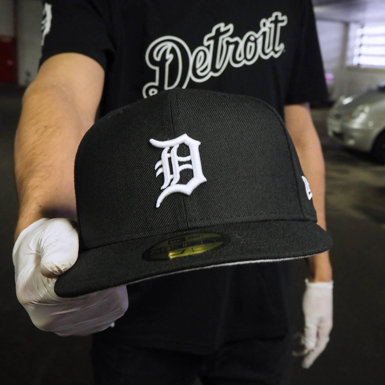 80000769 EXCLUSIVE 59FIFTY MLB DETROIT TIGERS BLACK/WHITE GREY UNDERBRIM