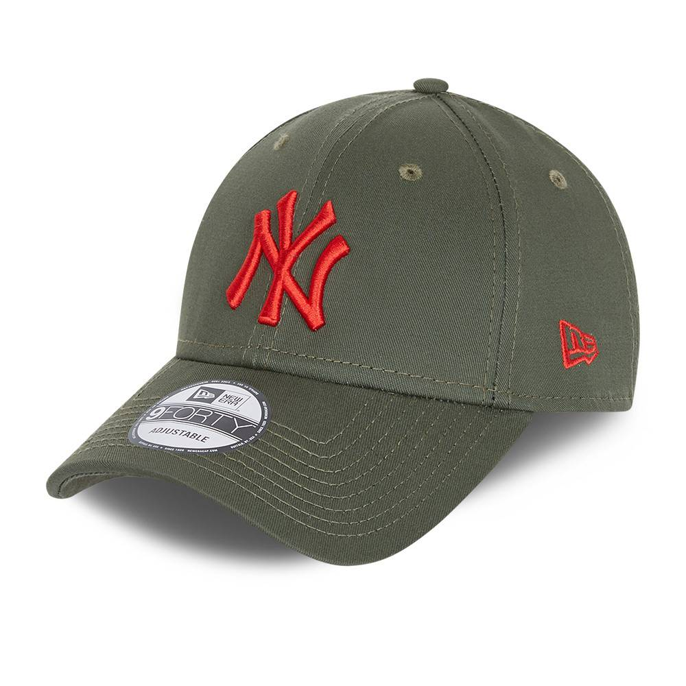 9FORTY LEAGUE ESSENTIAL NEW YORK YANKEES OLIVE CAP